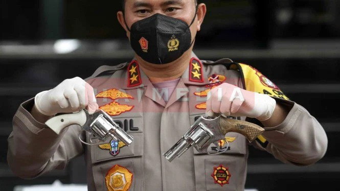 Pistol Pengikut Rizieq Buatan KW 1 Super Mirip Aslinya