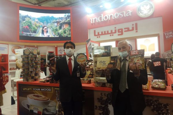 Duta Besar RI untuk Mesir, Lutfi Rauf saat membuka Paviliun Indonesia pada pameran Supermarket Expo 2021 yang digelar di Cairo Convention & Exhibition Center, Kairo Mesir