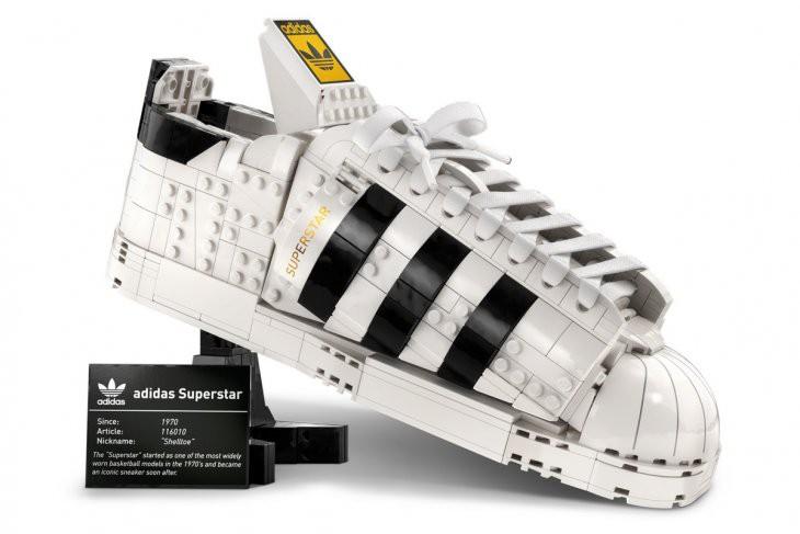 Adidas dan Lego Hadirkan Inovasi Koleksi Sneaker Superstar