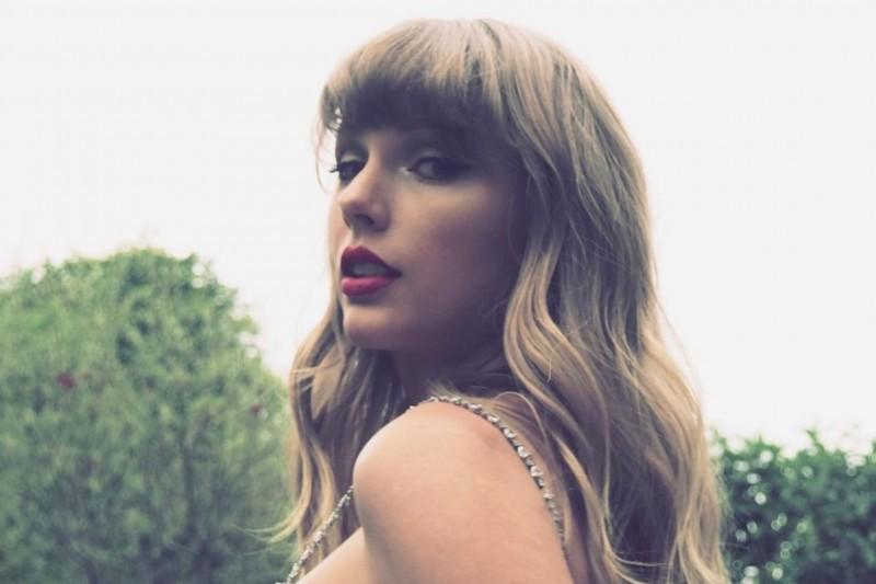 Ucapkan Terimakasih Kepada Penggemar, Taylor Swift Rilis  The Lakes