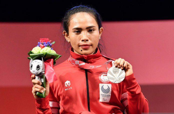 Ni Nengah Widiasih Kontingen Pertama Peraih Medali Perak untuk Indonesia